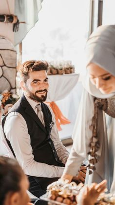 The commander of the faithful Ali bin Abi Talib – # - Beutel Cute Muslim Couples, Romantic Couples, Wedding Couples, Cute Couples, Muslimah Wedding Dress, Wedding Hijab, Photo Couple, Couple Shoot, Pre Wedding Photoshoot