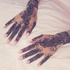 Most Elegant And Adorable Bridal Mehndi Designs Full Hands 2019 Henna Hand Designs, Unique Mehndi Designs, Beautiful Henna Designs, Bridal Mehndi Designs, Mehndi Designs For Hands, Henna Tattoo Designs, Unique Henna, Henna Tattoo Hand, Hand Tattoos