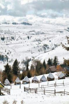 Transylvania in winter. I need to visit Romania. Albania, Macedonia, Places To Travel, Places To Visit, Travel Destinations, Winter Szenen, Winter Travel, Visit Romania, Romania Travel
