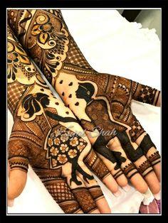 Proposal Theme! For mehndi order bookings and classes contact 09833887817.. #proposaltheme #engagementmehendi #ringceremonymehndi #engagementproposal #bridalmehendi #newconcept #latestmehendi #bridaldesigner #bridalhenna #trendyhenna #kinjalmehndiart #girlnboy #ringproposal #engagementceremony Peacock Mehndi Designs, Indian Mehndi Designs, Henna Art Designs, Modern Mehndi Designs, Mehndi Design Pictures, New Bridal Mehndi Designs, Beautiful Henna Designs, Tattoo Designs, Engagement Mehndi Designs