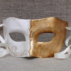 Colombina Gold 4 Masquerade Mask.Handmade in Italy and is accompanied by a certificate of authenticity. vivomasks.com