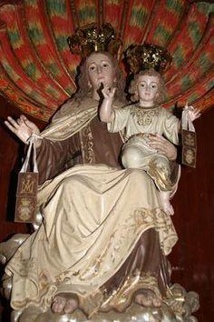 El Escapulario es una señal de alianza con Nuestra Señora, y expresa nuestra consagración a Ella.
