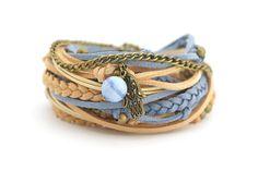 Hamsa Hand Yoga Bracelet Pastel Blue Beige Hippie by cardioceras