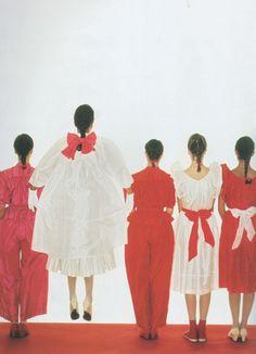 Kenzo Spring 1980 collection featured in Vogue Italia. Fashion Images, 80s Fashion, Fashion History, Fashion Brands, Vintage Fashion, Kenzo, Evolution Of Fashion, Vogue, Bow