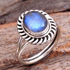 Natural Faceted Labradorite Oval Gemstone Stylish Ring - 925 Sterling Silver Jewelry Handmade Designer Ring Jewelry Size US - by arishakreation on Etsy Stylish Rings, Stylish Jewelry, Womens Jewelry Rings, Women Jewelry, Handmade Silver, Handmade Jewelry, Charm Rings, Blue Rings, Designer Earrings