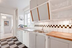 Light grey funkis kitchen