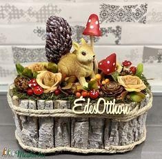 Artificial Flowers, Wicker Baskets, Farmer, Kindergarten, House Design, Halloween, Christmas, Home Decor, Fairy Gardening