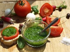 Sauce verte aux queues de cebettes (ou cives). (Recettes au Companion ou pas ...) Palak Paneer, Guacamole, Sauces, Ethnic Recipes, Blog, Food Recipes, Food, Cat Breeds, Dips