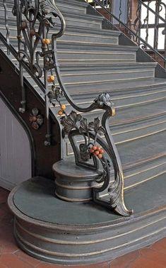 New Luxury Iron Stairs Railing Ideas Diy Stair Railing, Stair Decor, Railing Design, Staircase Design, Door Design, Railings, Railing Ideas, Grand Staircase, Wrought Iron Stairs