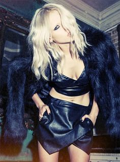 If you want glam-grunge sexy, then Anja Konstantinova is your girl Dark Fashion, 80s Fashion, Fashion Models, Fashion Beauty, Look Rock, Leather Bustier, Leather Skirt, Fade Styles, Hair Styles 2014