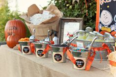 "Darling Popcorn Party idea with ""The Great Pumpkin"" theme. Life Whimsical: It's The Great Pumpkin! Charlie Brown Thanksgiving, Charlie Brown Halloween, Great Pumpkin Charlie Brown, It's The Great Pumpkin, Halloween Movie Night, Movie Night Party, Halloween Party, Halloween Ideas, Halloween Popcorn"