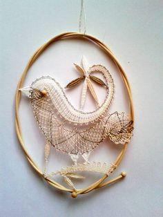 vajicko:) Bobbin Lace Patterns, Weaving Patterns, Beaded Lace, Crochet Lace, Iris, Bobbin Lacemaking, Types Of Lace, Bird Crafts, Lace Heart