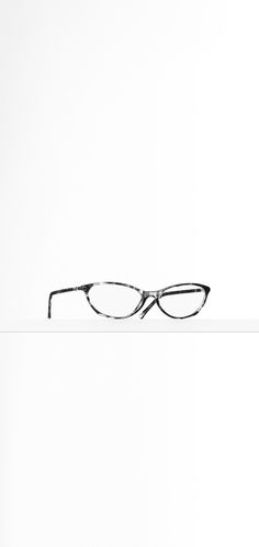 Cat eye acetate eyeglasses - CHANEL