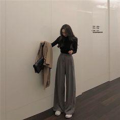 Korean Girl Fashion, Korean Street Fashion, Look Fashion, Street Hijab Fashion, Fashion Spring, Trendy Fashion, Cute Casual Outfits, Pretty Outfits, Stylish Outfits