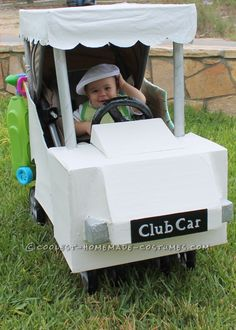 This baby Golfer in a Golf Cart stroller costume is so easy, all I used was: Single Stroller, large sheets of card board , several  Stroller Halloween Costumes, Golf Costumes, Stroller Costume, Baby Costumes, Halloween Bebes, Family Halloween Costumes, Halloween Fun, Halloween Makeup, Best Baby Strollers