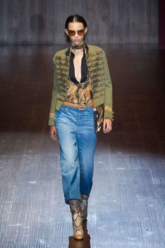 Gucci Was All About Denim and Neck Scarves for Spring - Gucci Spring - Ideas of Gucci Spring. - Gucci Spring Summer 2015 RTW pin courtesy of Tres Haute Diva \ 70s Fashion, Denim Fashion, Timeless Fashion, Runway Fashion, Fashion Show, Fashion Weeks, Milan Fashion, Military Chic, Military Style Jackets