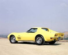 This is a 1970 corvette stingray. My all time dream is a yellow 1973 Stingray. … This is a 1970 corvette stingray. My all time dream is a yellow Yellow Corvette, Old Corvette, Classic Corvette, Chevrolet Corvette, My Dream Car, Dream Cars, Chevy Girl, Old School Cars, Old Classic Cars