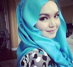 http://www.facebook.com/pages/Pretty-Muslimah%E3%83%84/591399917550787