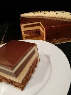 Gourmet Desserts, Fancy Desserts, Sweets Cake, Cupcake Cakes, Cake Recipes, Dessert Recipes, Modern Cakes, Torte Cake, Caramel Pecan