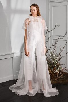 Vestidos Marchesa, Marchesa Gowns, Bridal Musings, Best Wedding Dresses, Bridal Dresses, Dress Wedding, Ethereal Wedding Dress, Wedding Pantsuit, Winter Bride