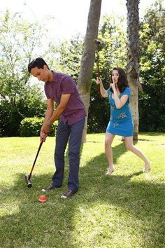 Alison Brie and Danny Pudi. Can I please be their friend? Community Tv Series, Community Memes, Community College, Danny Pudi, Tv Show Casting, Alison Brie, Funny Pictures, Funny Pics, Me Tv