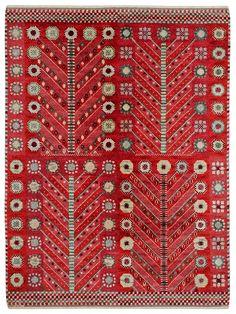 RÖDA TRÄDET Designed by Marianne Richter in 1945 #MMF #MärtaMååsFjetterström #MartaMaas #MarianneRichter #Handwoven #Handmade #Knotted #Pile #Rug #Rugs #SwedishCarpets #SwedishDesign