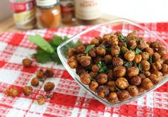 These spicy cinnamon roasted chickpeas are a definite sweet and savory crowd-pleaser for parties or a delicious snack. Yummy Healthy Snacks, Healthy Eating, Yummy Food, Healthy Recipes, Chickpea Recipes, Clean Eating, Whole Food Recipes, Great Recipes, Cooking Recipes