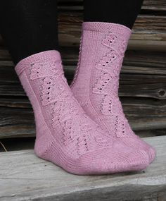 Käsistä karannut: 2019 Crochet Socks, Stockinette, Sock Yarn, Ankle Socks, Needles Sizes, Black Leather Boots, Mittens, Ravelry, Knitting Patterns