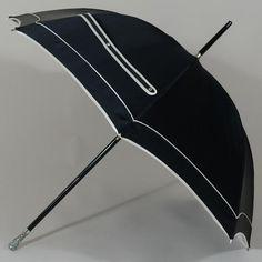 Le parapluie grand luxe signé Swarovski