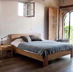 Mark Tuckey bed....I dig
