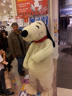 Snoopy compartió el sábado pasado con los asistentes a la tienda de Unicenter, lo viste?