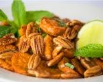 Roasted sweet potato with tipsy mint-lime sauce and caramelised pecans. Christmas Lunch, Roasted Sweet Potatoes, Pecans, I Love Food, Starters, I Foods, Side Dishes, Vegetarian Recipes, Salads