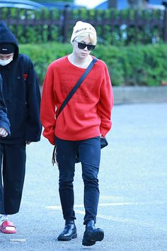 On the way to KBS Music bank ▼▲ Jimin Airport Fashion, Bts Airport, Airport Style, Kpop Fashion, Fall Fashion, Style Fashion, Fashion Ideas, Fashion Trends, Jimin Wallpaper