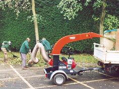 The small Trilo vacuum units have been developed to allow rapid vacuuming of leaves, litter, grass, wood chippings etc. The machine is installed onto a quick transport undercarriage with rotating nose wheel. Couple it, take it with you and start working. Landscaping Company, Kubota, Vacuums, Grass, The Unit, Landscape, Business, House, Ideas
