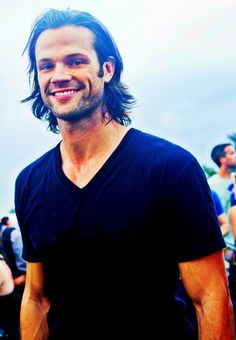 You gorgeous hunk of man, you... #thosearms #thatgrin #flowingmane #vneck #dednow