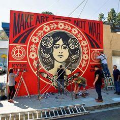 Shepard Fairey, l'inventeur du portrait d'Obama devenu la star du street art                                                                                                                                                                                 Plus