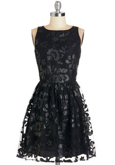 BB Dakota LBD Mid-length Sleeveless A-line Date Under the Stars Dress in Black from ModCloth Dressy Dresses, Unique Dresses, Lovely Dresses, Short Dresses, Floral Dresses, Floral Lace, Party Dresses, Lace Homecoming Dresses, Retro Vintage Dresses