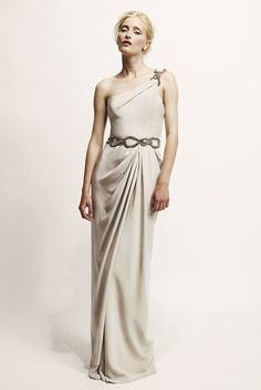 See the complete Marchesa Resort 2010 collection.