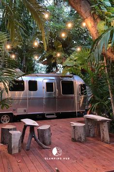 For a glamping getaway in the heart of Miami, Florida, take a look at this gorgeous Airstream! Airstream Camping, Airstream Living, Airstream Interior, Airstream Trailers, Camping Glamping, Luxury Camping, Camping Life, Outdoor Camping, Camping Trailers