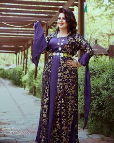 #zhyartahaphotography snap: zhyar.taha93👻 Garduation Photoshoot كۆمێنتی ئێوەی گوڵ چییە ؟ Beautiful Muslim Women, Sari, Photoshoot, Fashion, Saree, Moda, Photo Shoot, Fashion Styles, Fashion Illustrations