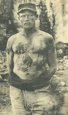 Tattoo specimen, Legionnaire, ed. Old Pictures, Old Photos, Vintage Photos, Tattoo Museum, First Indochina War, History Tattoos, French Foreign Legion, Weird Dreams, French Army