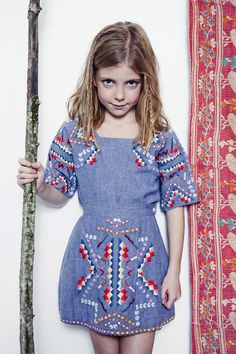 "printemps imprimé d'Antik Batik Le printemps imprimé d'Antik Batik. meaning ""spring"" (springtime) in French) may refer to: Fashion Kids, Little Girl Fashion, Look Fashion, Fashion Outfits, Little Fashionista, Estilo India, Style Bobo Chic, Bohemian Style, Boho Chic"