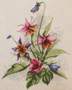 Hand Embroidery Flowers, Embroidery Patterns, Cross Stitch Patterns, Cross Stitch Rose, Cross Stitch Flowers, Black And White Flower Tattoo, Baby Sewing Projects, One Color, Weaving