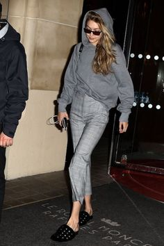 Gigi Hadid Has Perfected On-The-Go Style