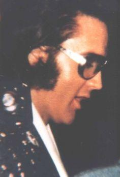 April 14, 1972 - Elvis Before His Show In Greensboro, North Carolina