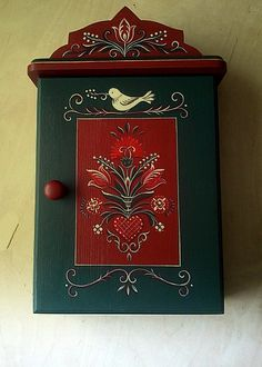 Hand Painted Furniture, Art Furniture, Armoire Entree, Decor Crafts, Art Decor, Retro Furniture Makeover, Canal Boat Art, Norwegian Rosemaling, Tole Painting Patterns