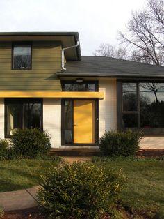 modern entry by Gardner Mohr Architects LLC