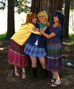 Kousaka Honoka (高坂穂乃果), Ayase Eli (絢瀬絵里), and  Sonoda Umi (園田海未), from the Love Live! series (ラブライブ!)