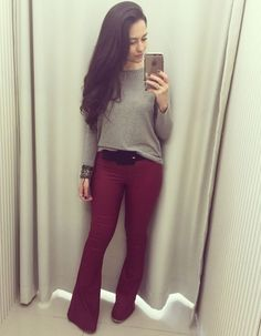 Love the pants Love Fashion, Girl Fashion, Fashion Outfits, Fashion Trends, Burgundy Outfit, Cool Outfits, Casual Outfits, Flare Jeans, Casual Chic