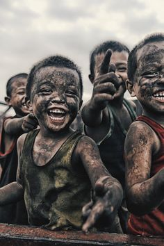 Visit slums of Manila. (if children in the depressing slums of Manila can still play and smile and laugh. ) Be HAPPY ! Smile Face, Your Smile, Make You Smile, Be Happy And Smile, Smile Kids, We Are The World, People Of The World, Beautiful Smile, Beautiful Children